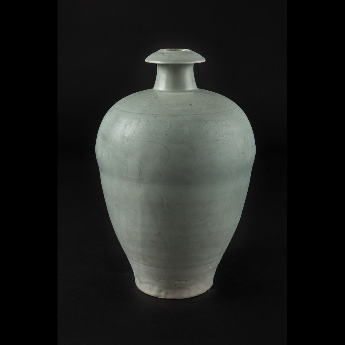 Photo ofMEIPING VASE IN  CELADON PORCELAIN