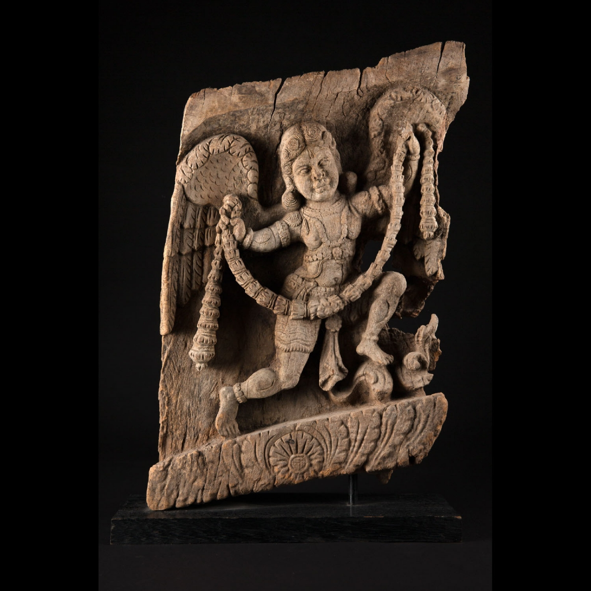 Photo of CHARIOT WOOD ELEMENT WITH GARLANDED ANGEL