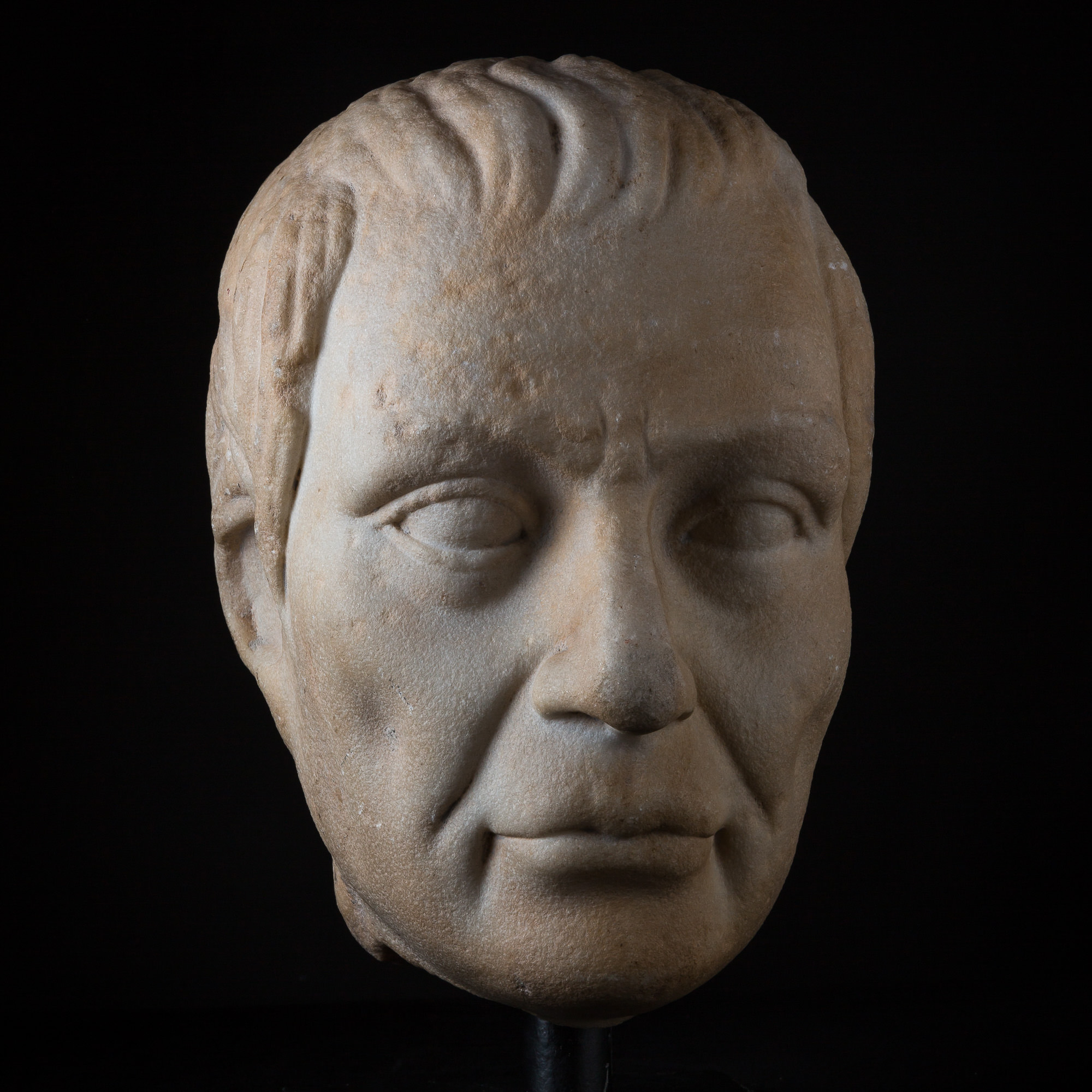 Photo ofMONUMENTAL PORTRAIT OF SENATOR CASSIUS (85-42 BC)