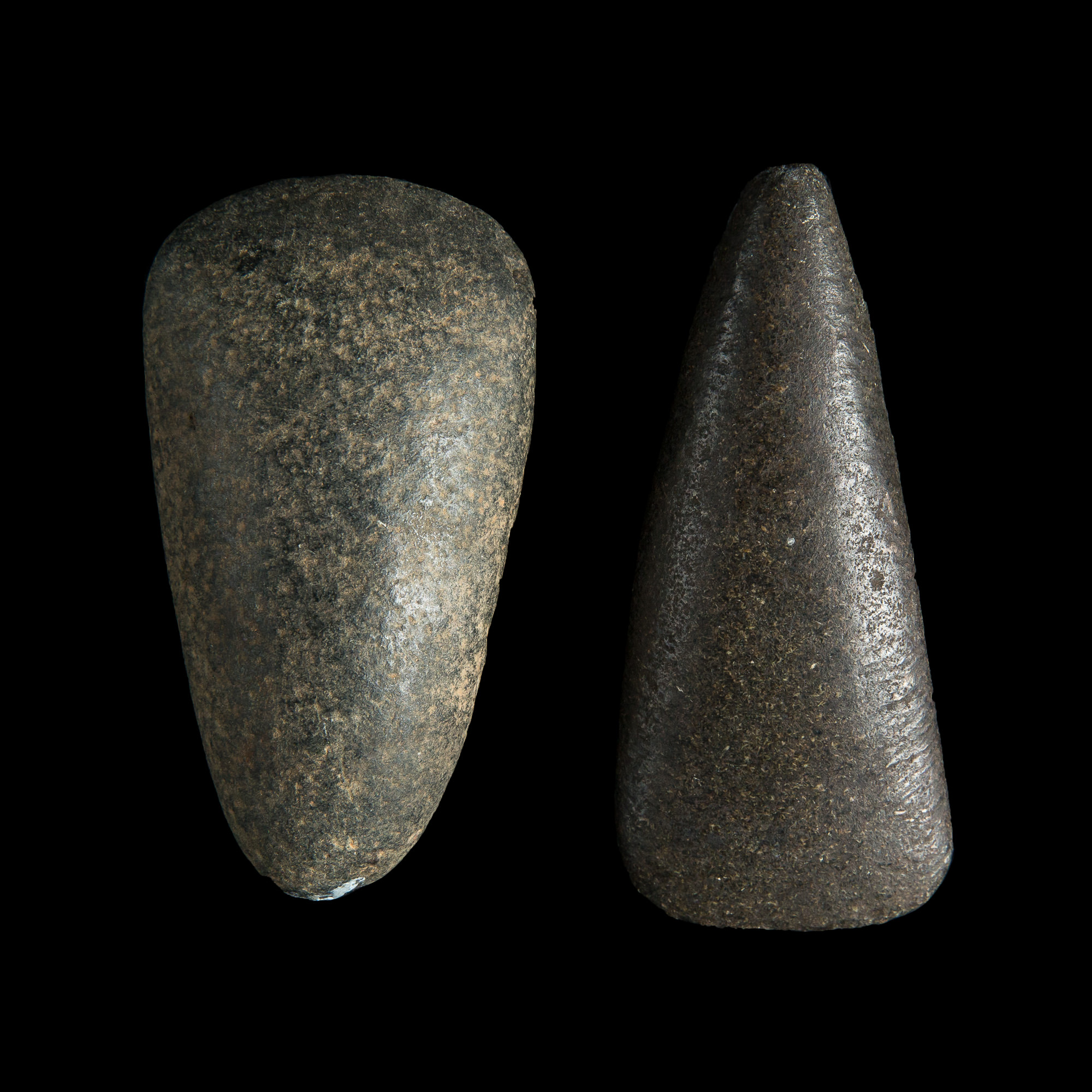 Photo of POLISHED AXE FROM THE BRITISH STONE AGE