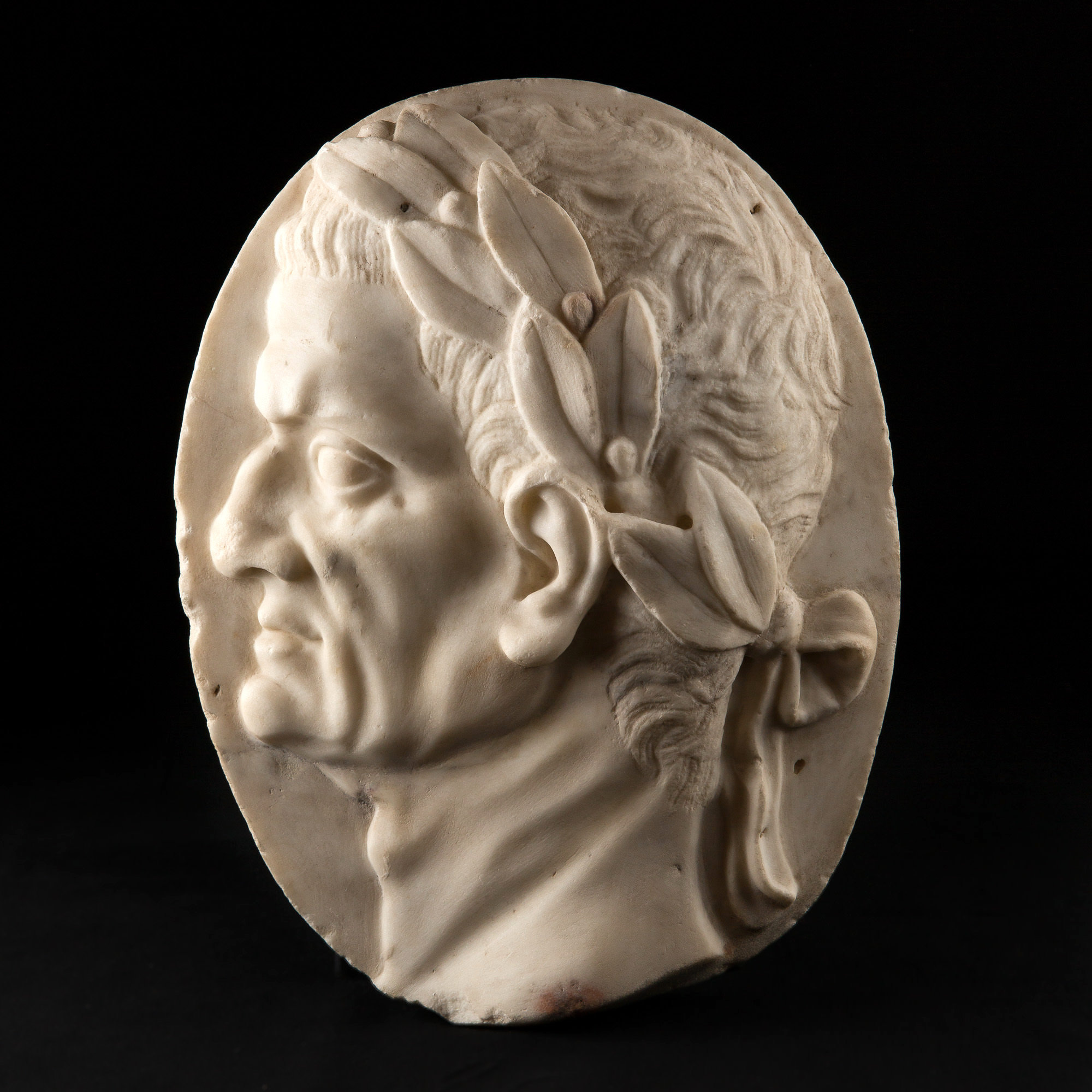 Photo ofPROFILE OF DANTE ALIGHIERI IN MARBLE