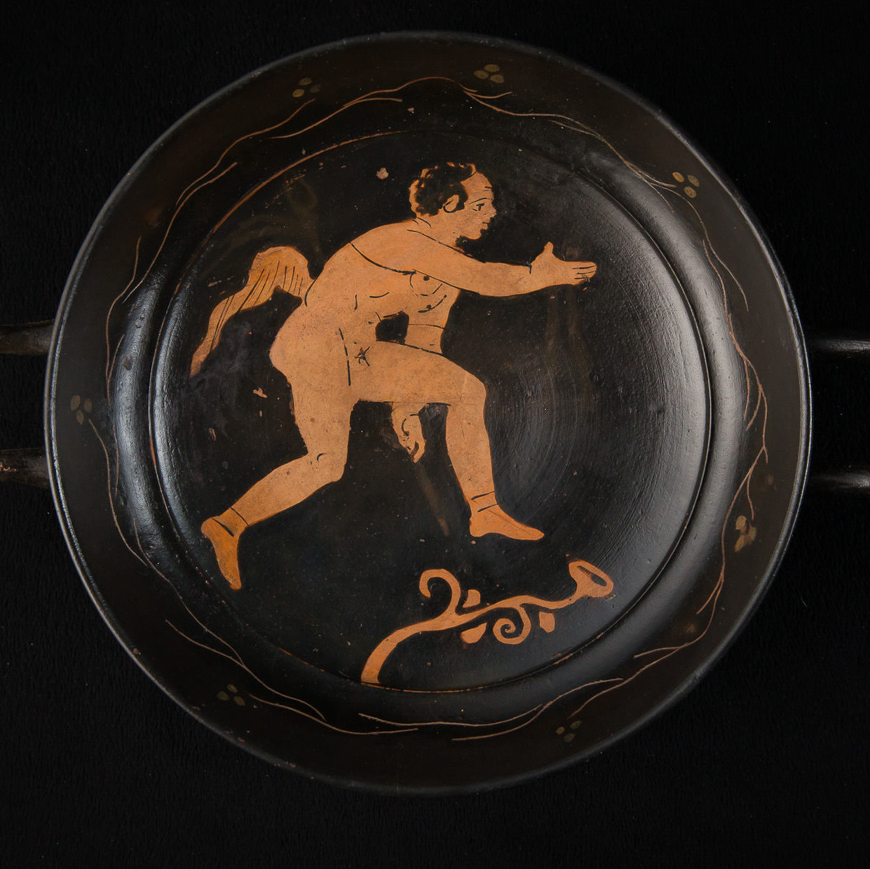Photo ofRED AND BLACK KYLIX